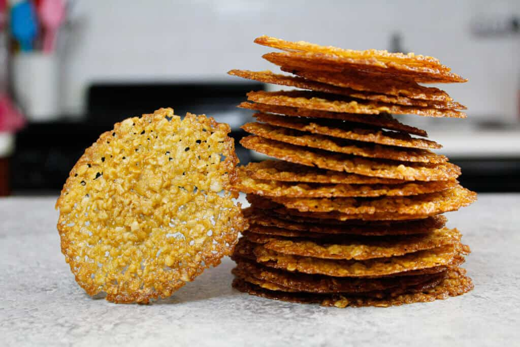 image of stack of thin, oatmeal lace cookies
