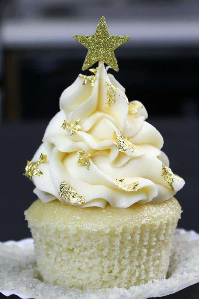 The cutest gold star cupcake! Made with my one bowl vanilla cupcake recipe, which is so moist and fluffy!!