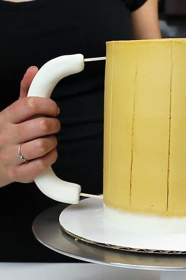 adding the handle to my beer mug cake