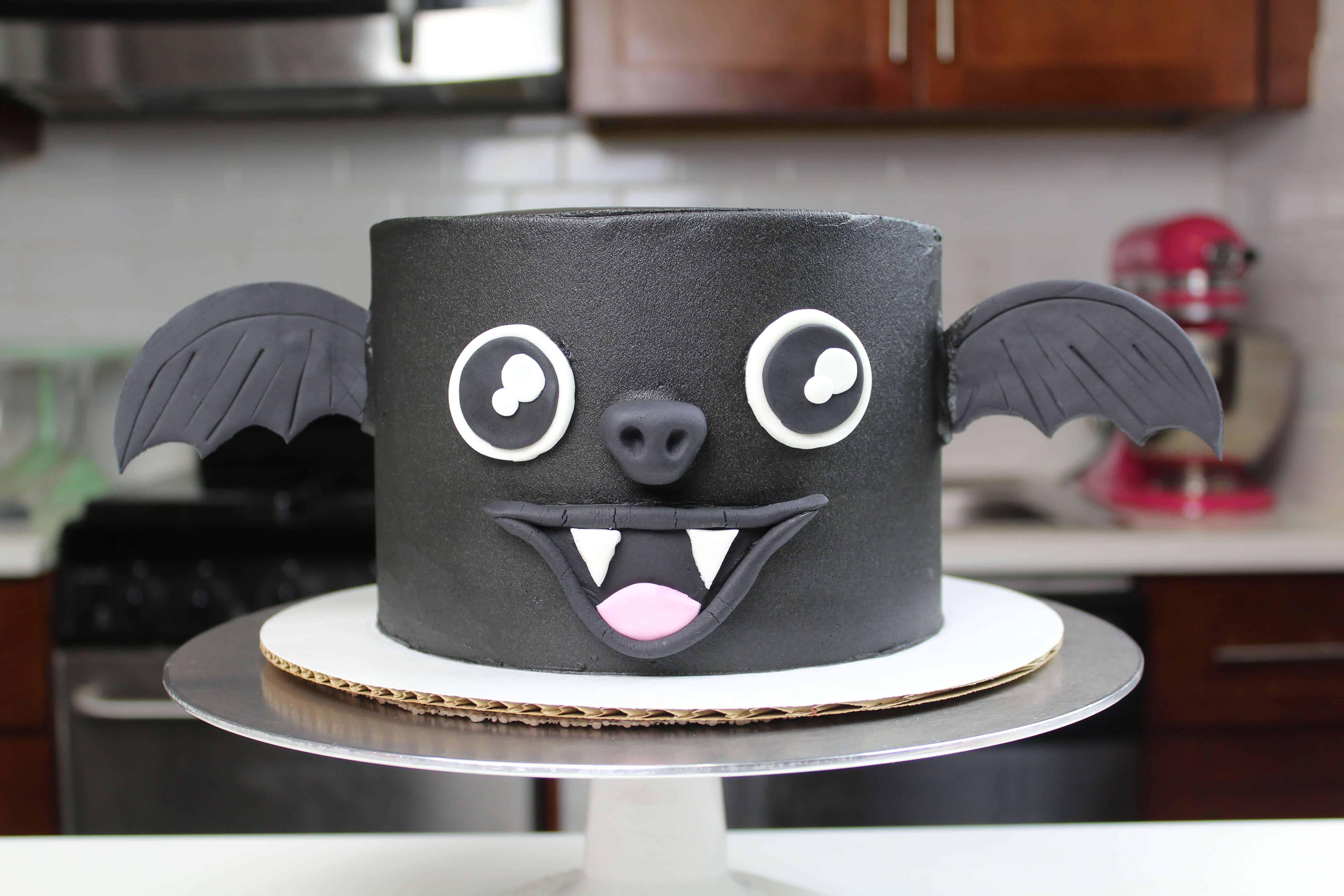 image of vampire bat cake