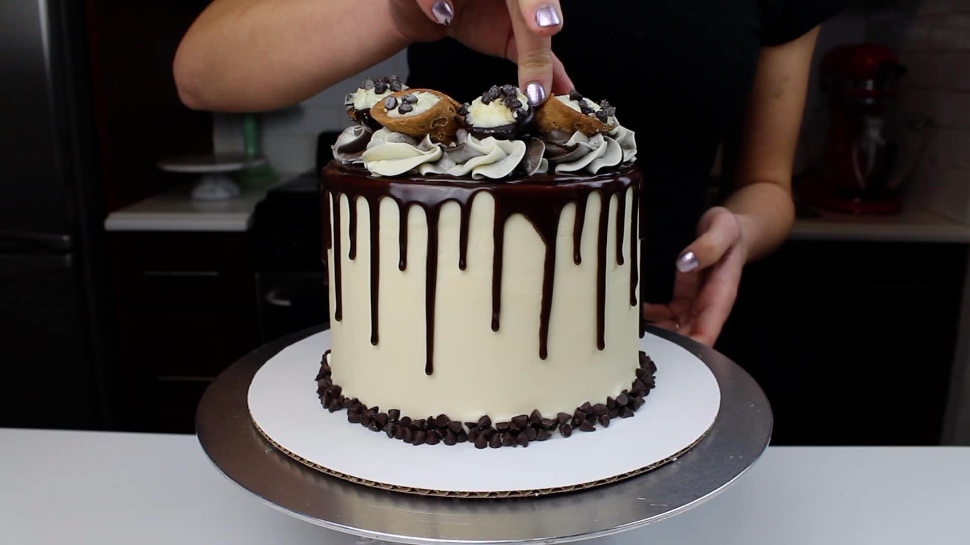 cannoli cake cannoli