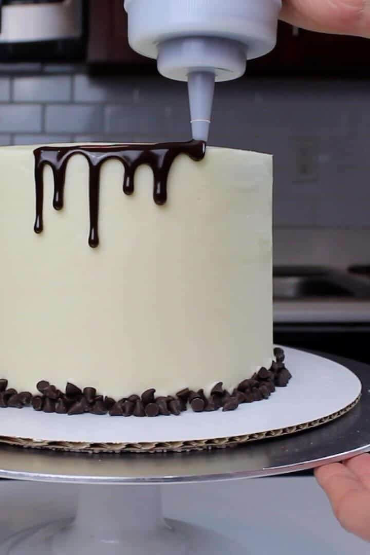 Using my chocolate ganache drip recipe on my cannoli cake!