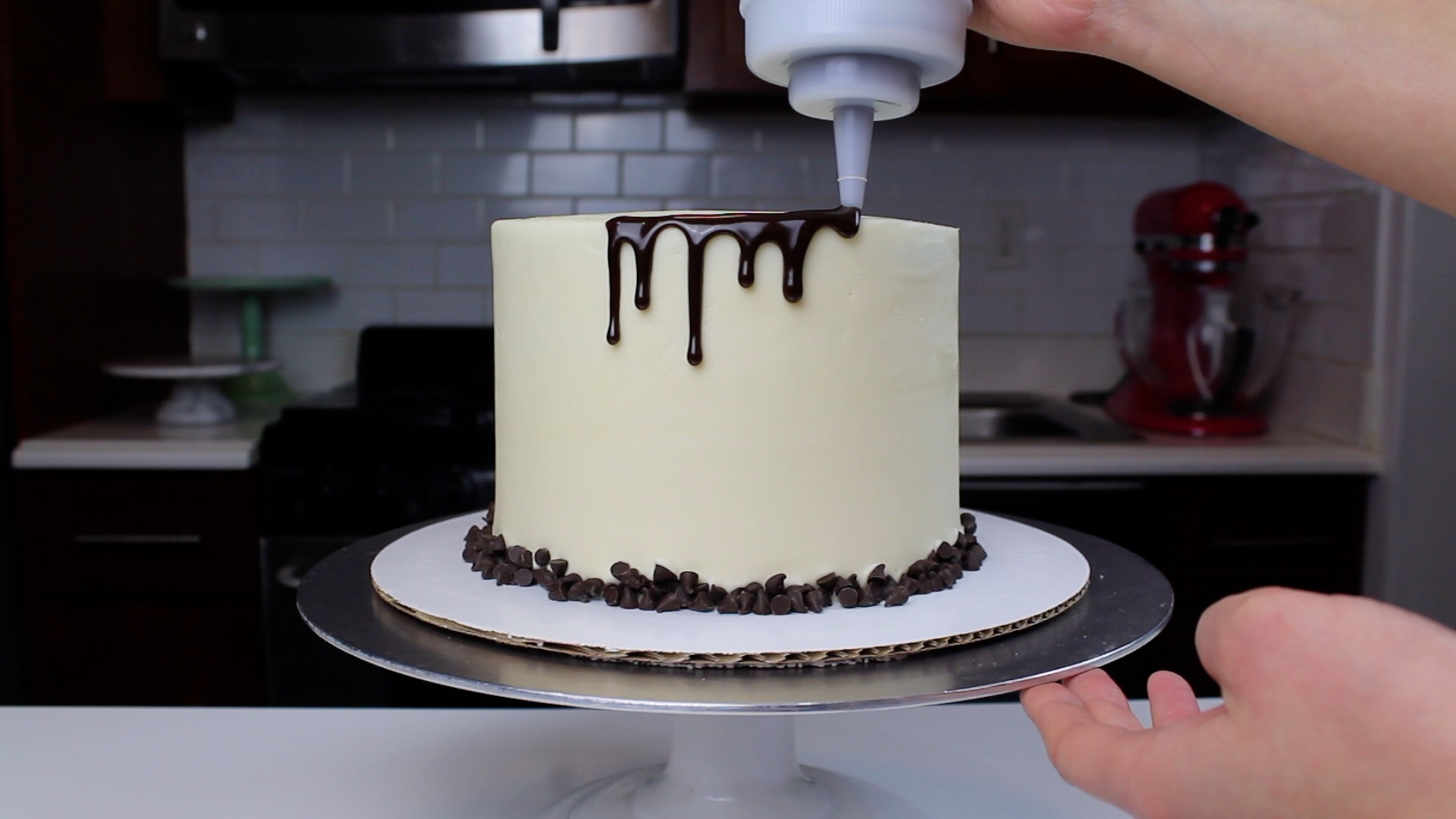 cannoli cake drips