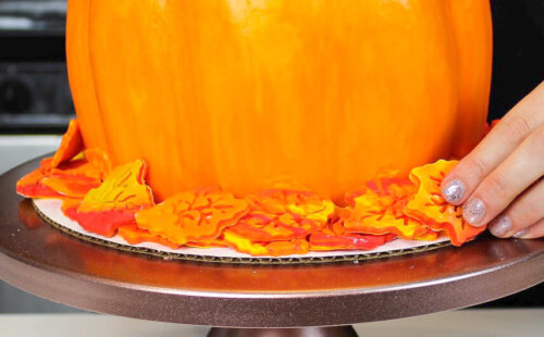 image of pumpkin shaped cake for fall and halloween