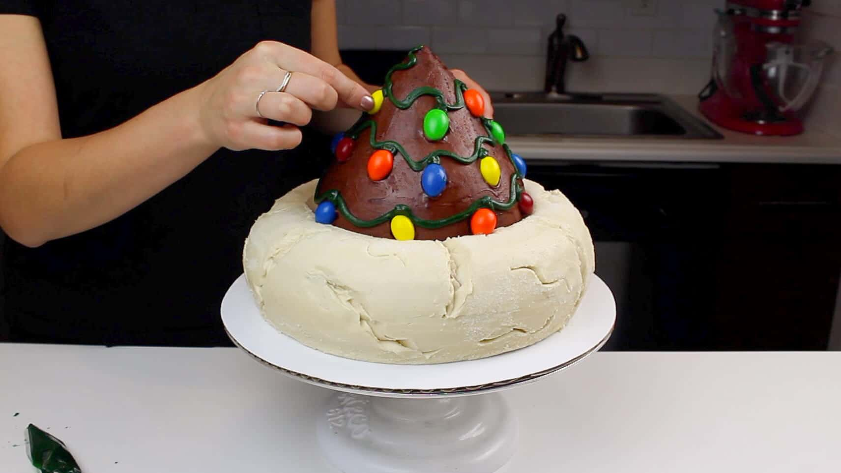 adding on lights to cake