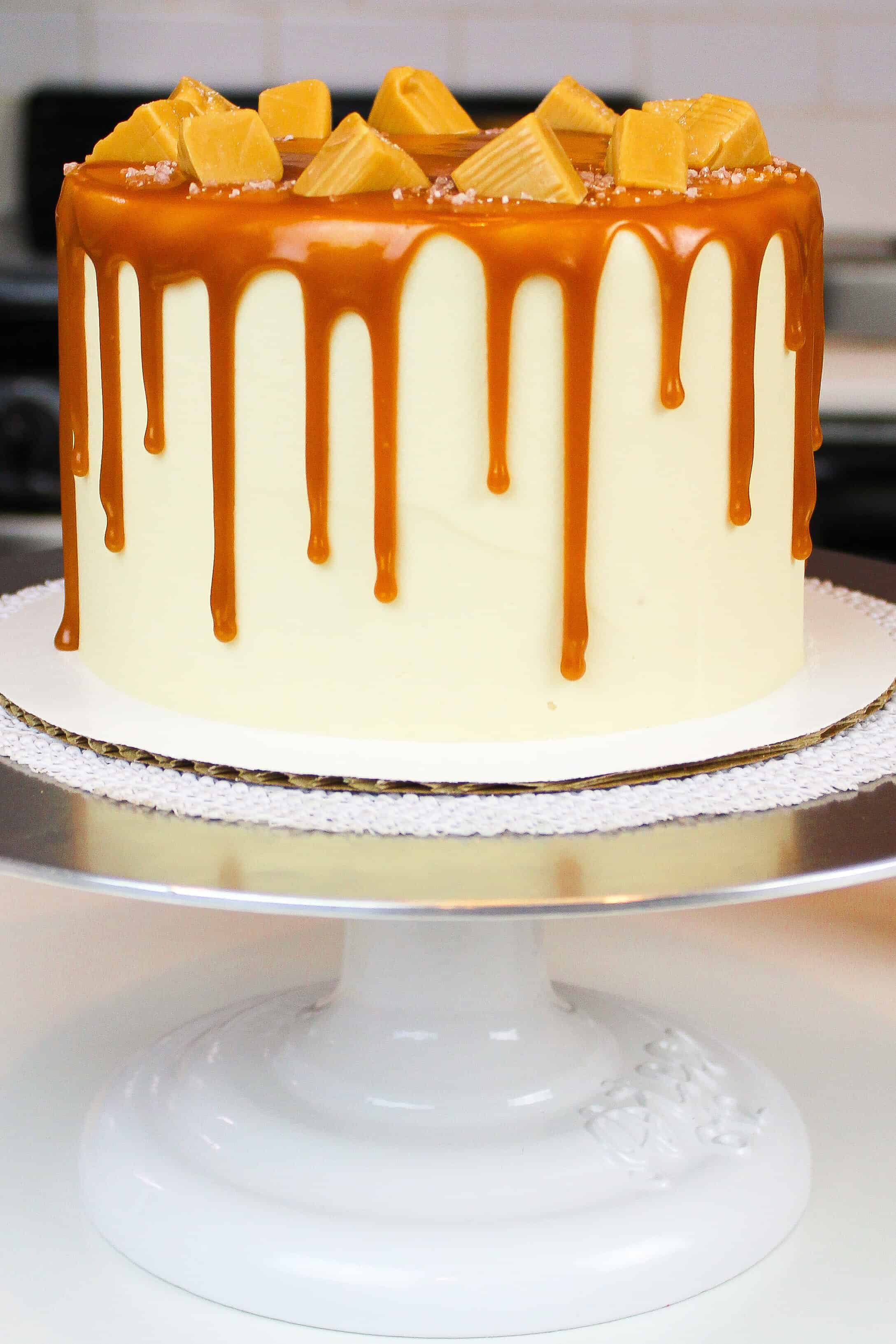 salted caramel drip cake photo