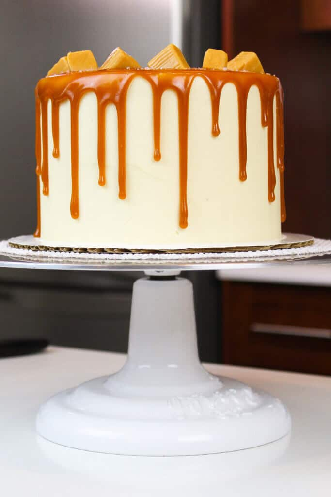 salted caramel cake photo