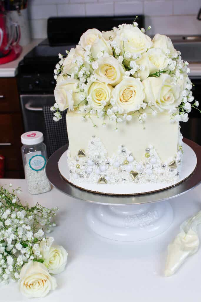 decorated white wedding cake image