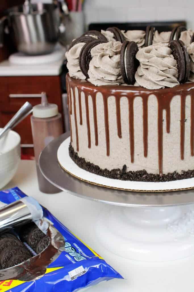 photo of chocolate oreo cake