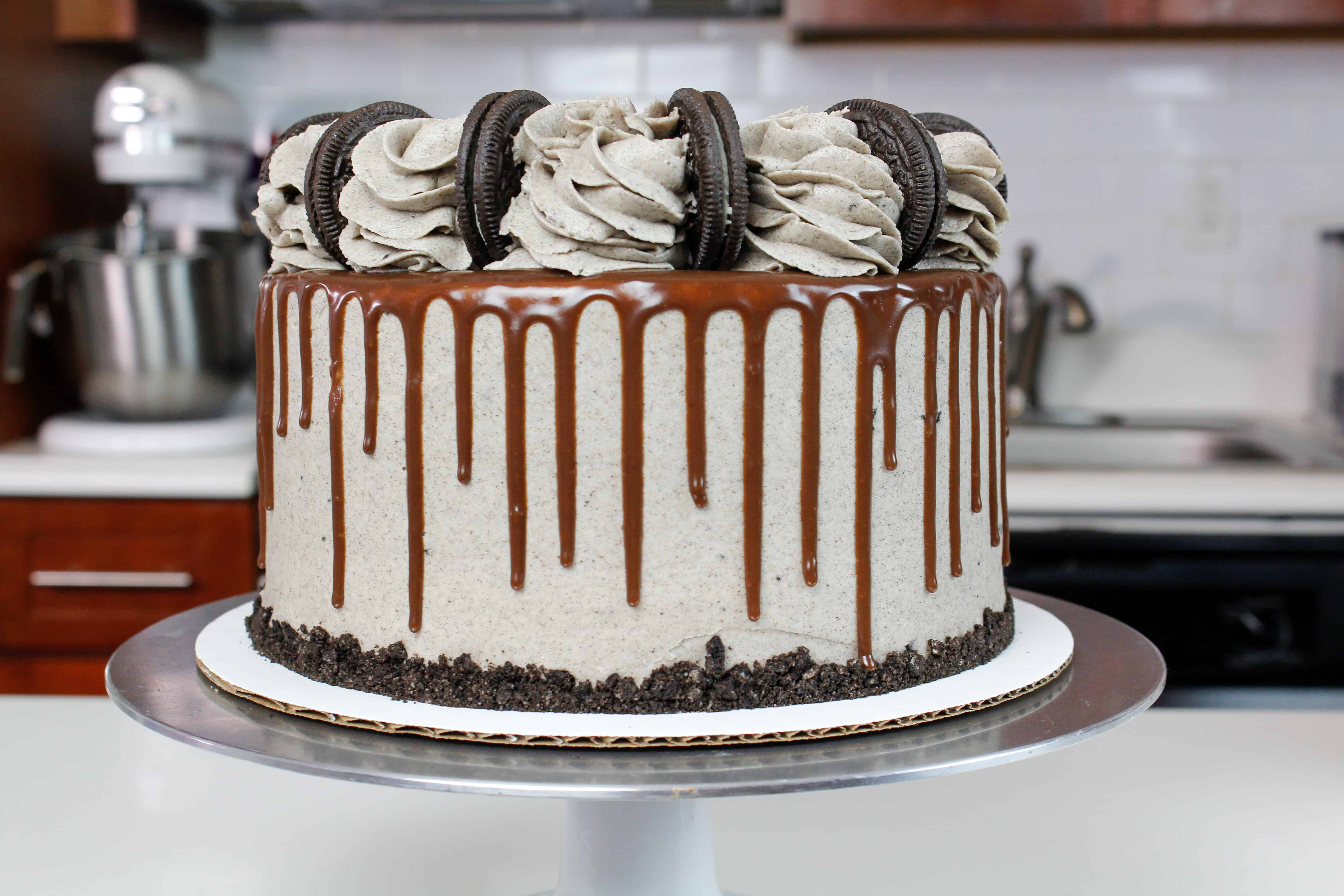 photo of oreo drip cake