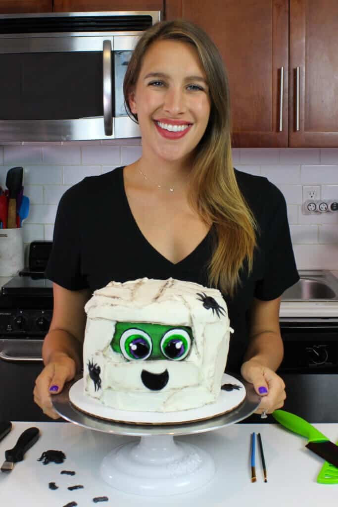 image of chelsey white and mummy cake