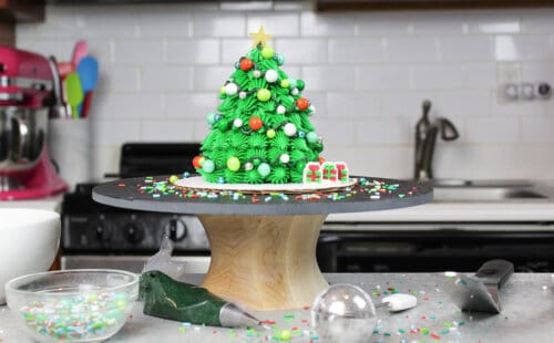 image of mini christmas tree cupcake cake