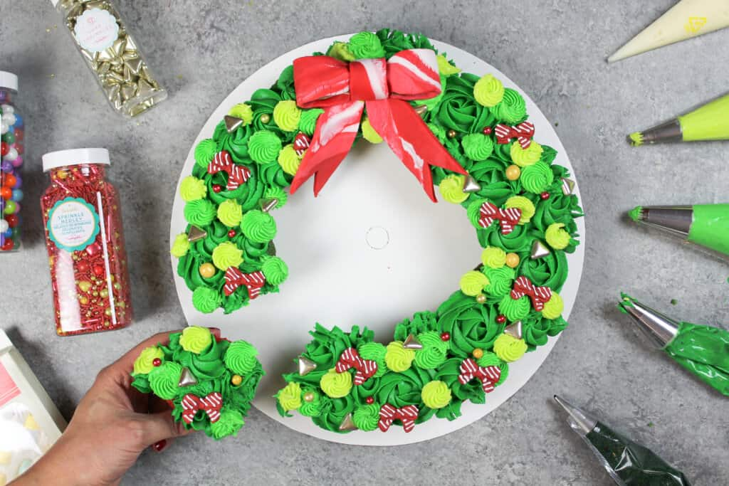 image of pull apart cupcake wreath
