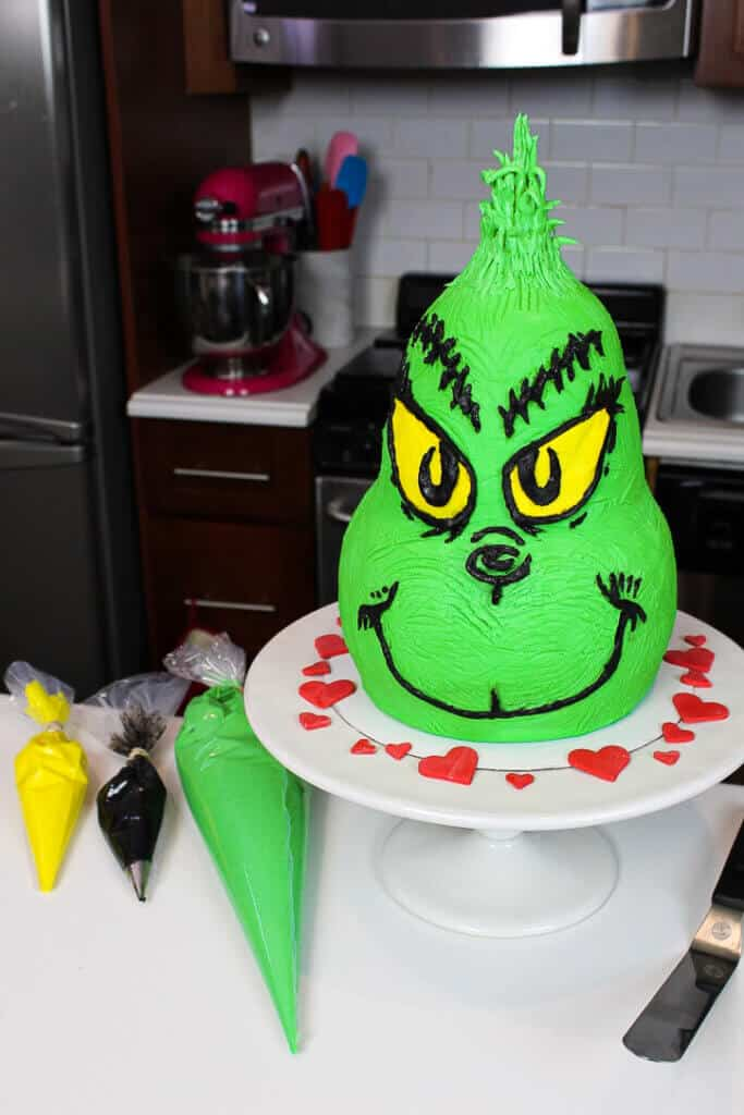 image of buttercream grinch cake