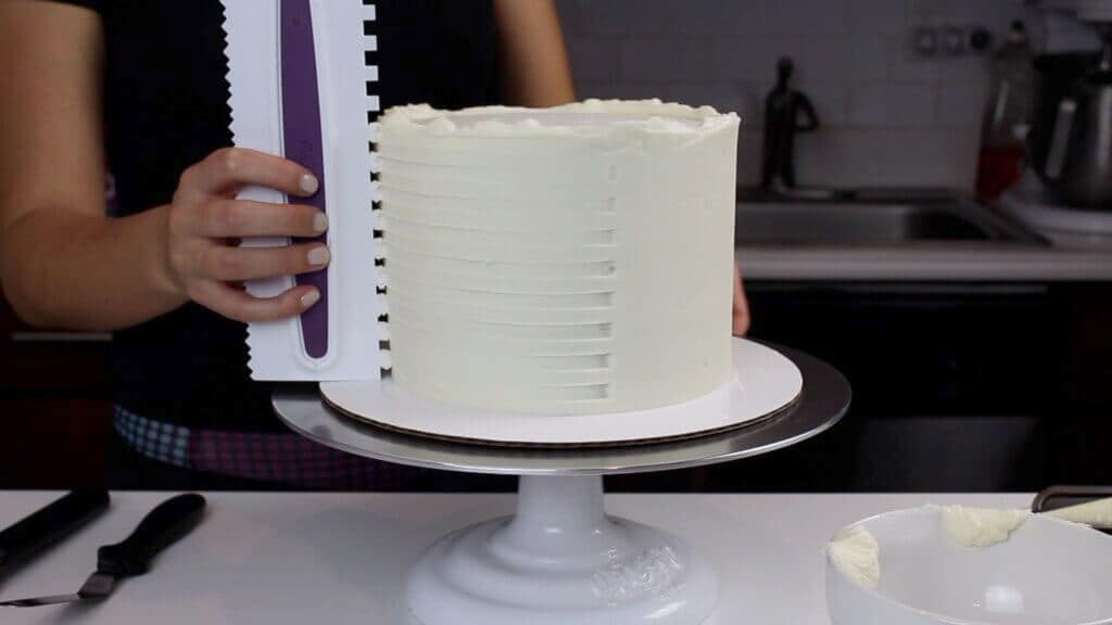 image of square cake decorating comb