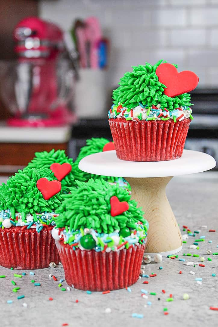 image of grinch cupcakes with hearts that grow 3 times in size