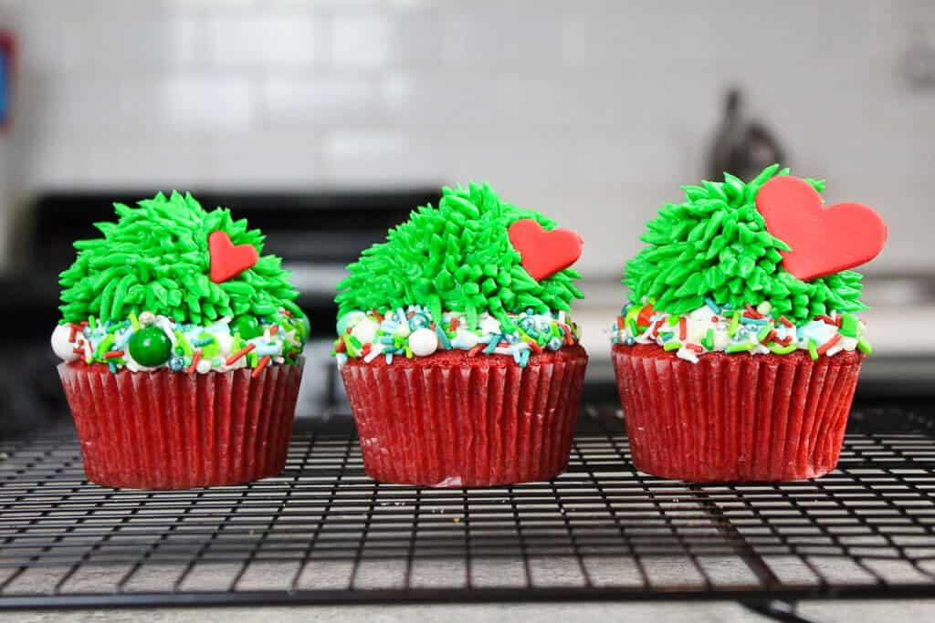 image of grinch cupcakes with hearts that grow 3x in size