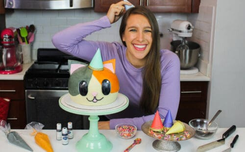 image of chelsey white of chelsweets with adorable funfetti cat cake