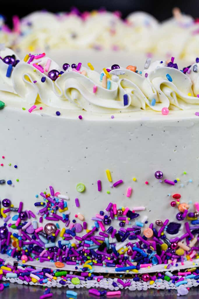 image of sugar free cake frosted with sugar free frosting