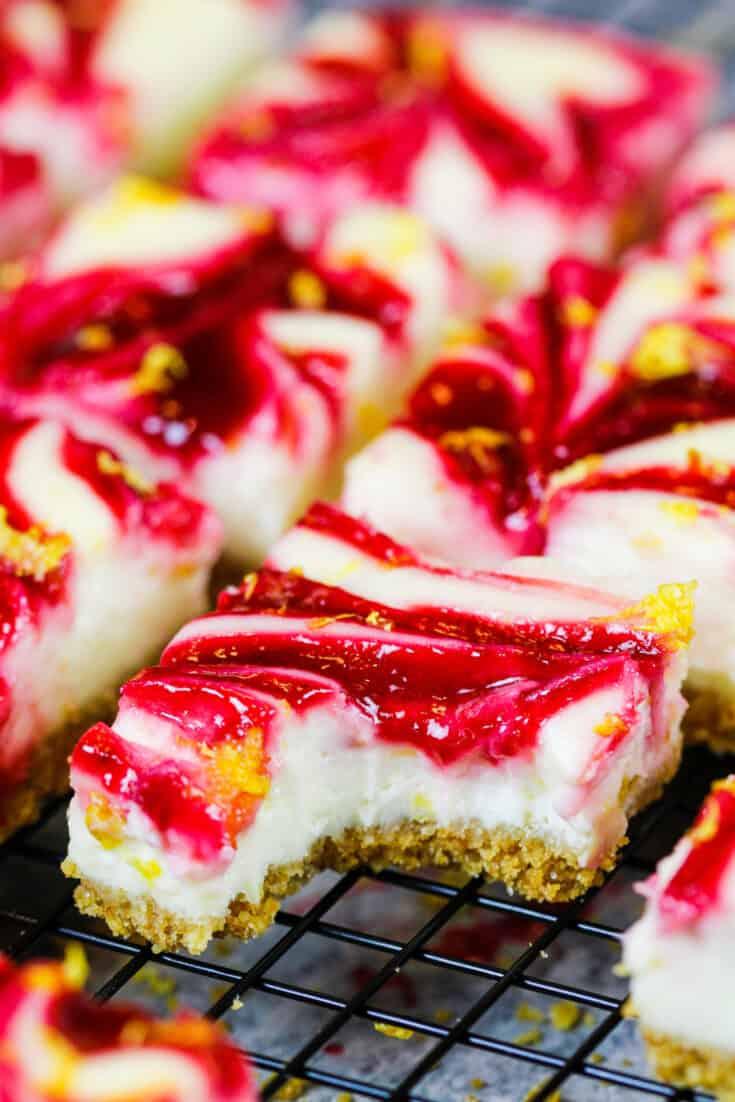 image of lemon raspberry cheesecake squares