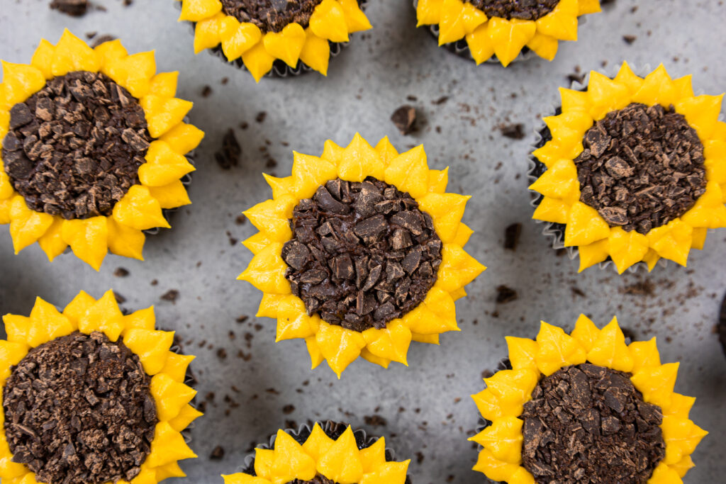image of adorable and easy sunflower cupcakes made with buttercream frosting