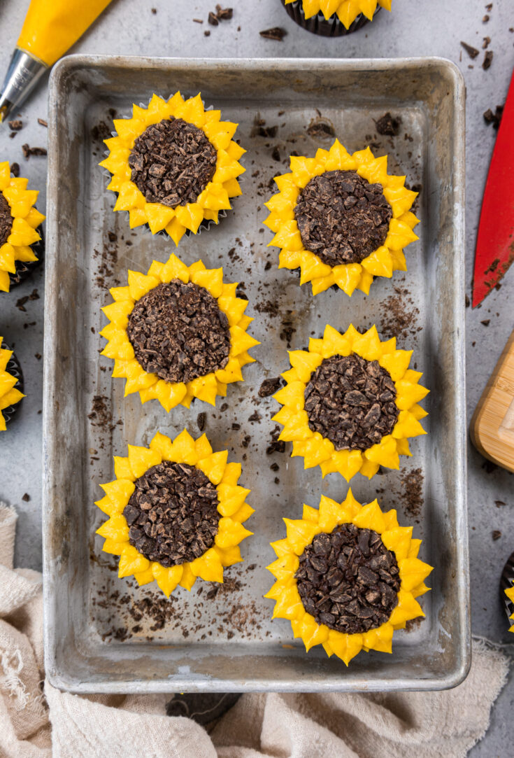 image of sunflower cupcakes